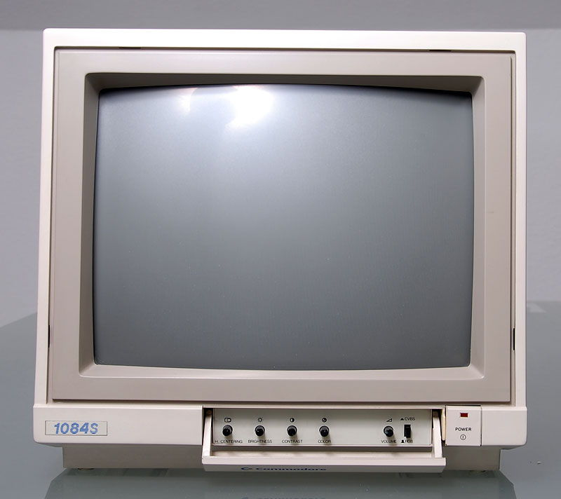 commodore1084sp bueno.jpg