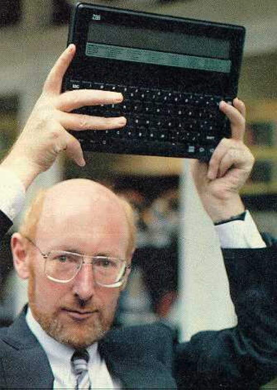 CLIVE SINCLAIR Z88 CAMBRIDGE COMPUTER.jpg